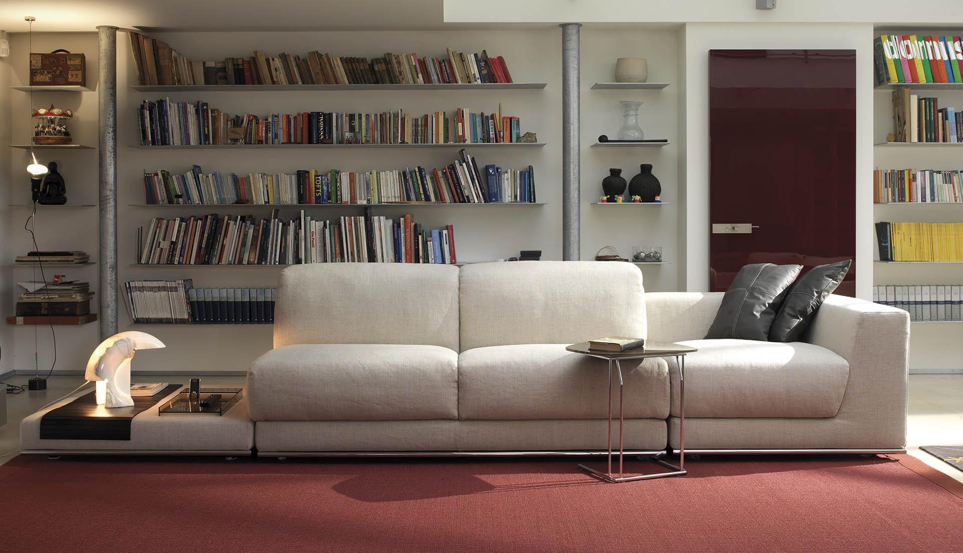 Negozi di divani a milano perfect outlet arredamento for Tessuti arredamento outlet milano
